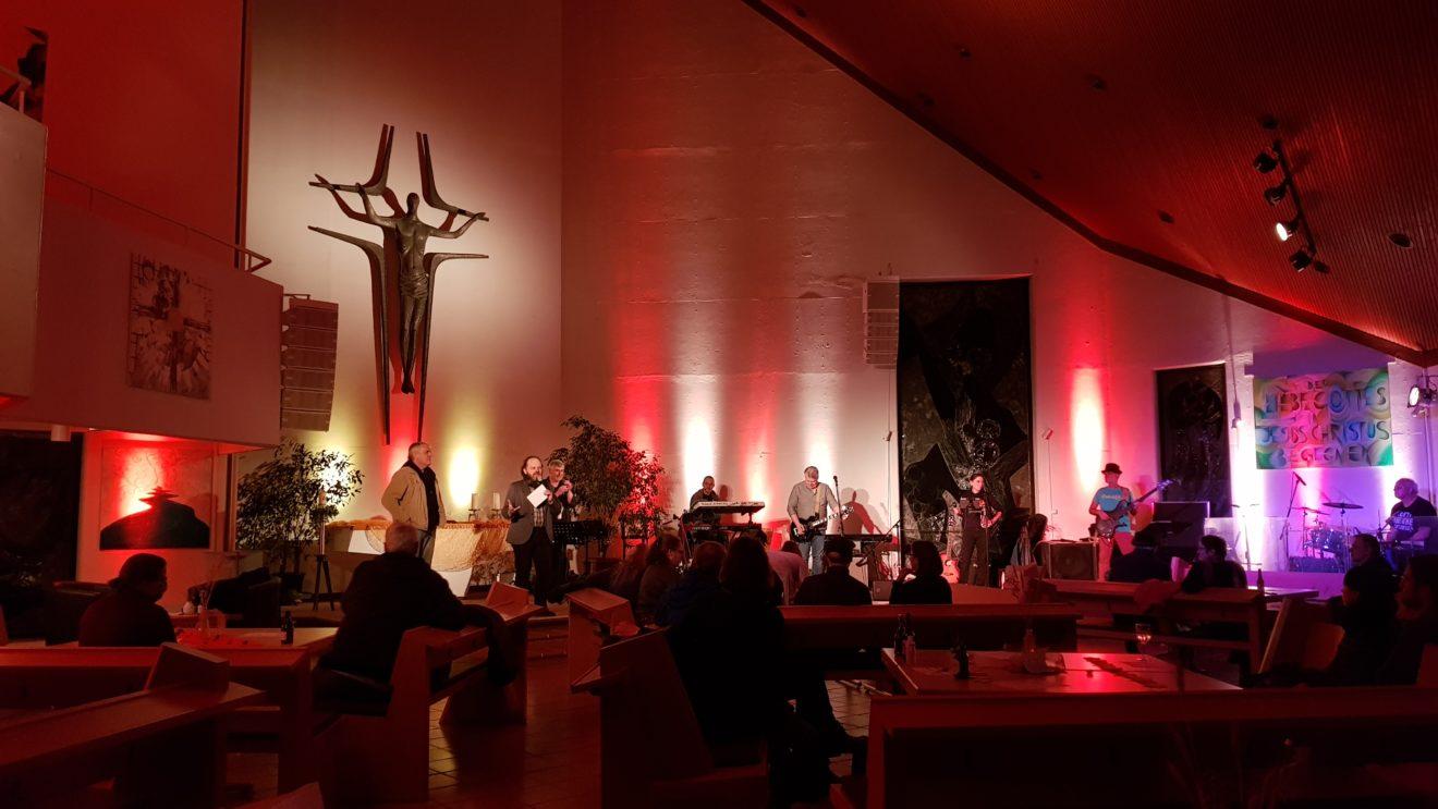 Kultur in der Kirche: Maschinchen Buntes goes MLKG - Toller Konzert-Abend